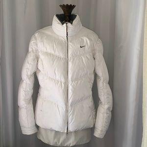 EUC Nike Women's Down Jacket Size M *runs small*